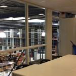 De ReclameHelden | uitzicht vanuit de kantine de productiehal in